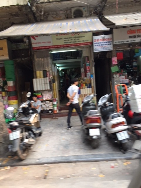 ベトナムハノイの街中の店