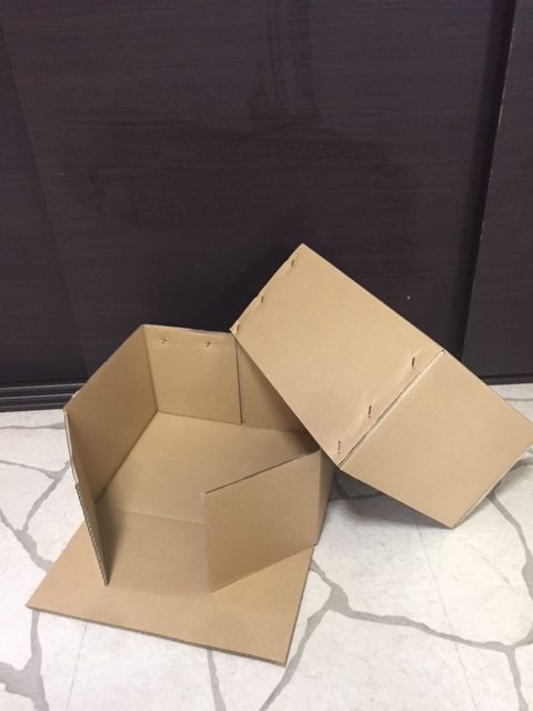 かぶせ式箱、側面開き